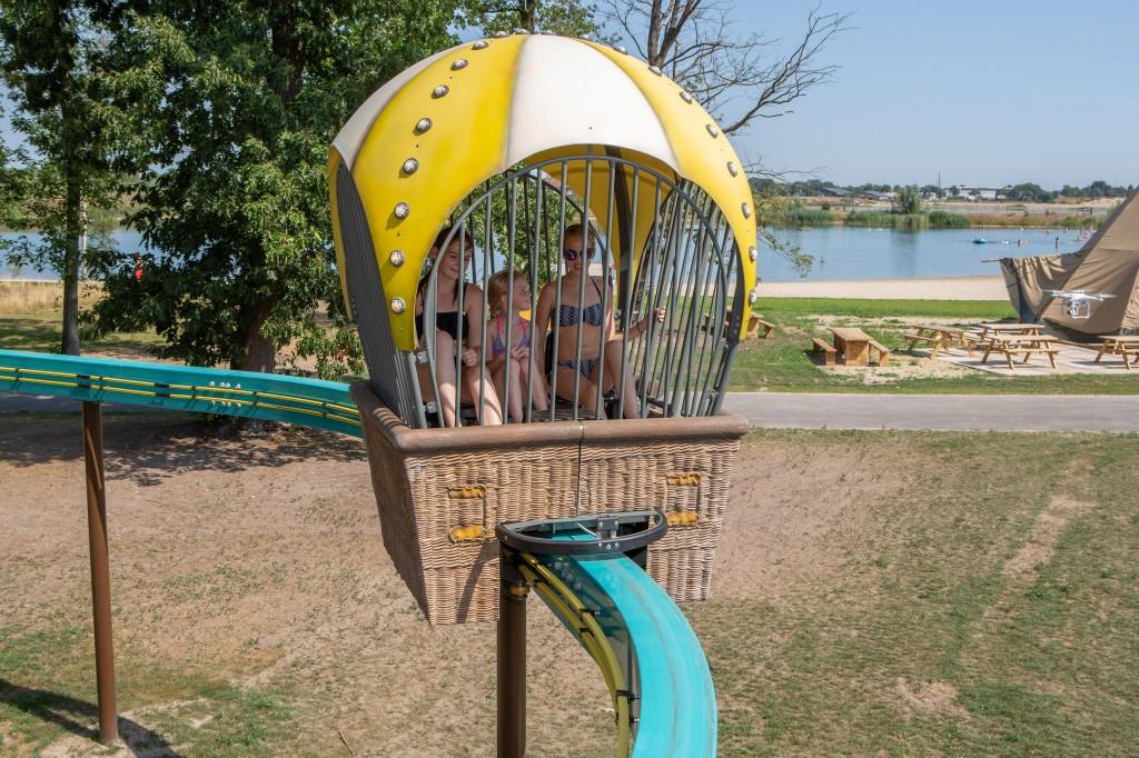 Ouder én kind hebben samen plezier in de Monorail.
